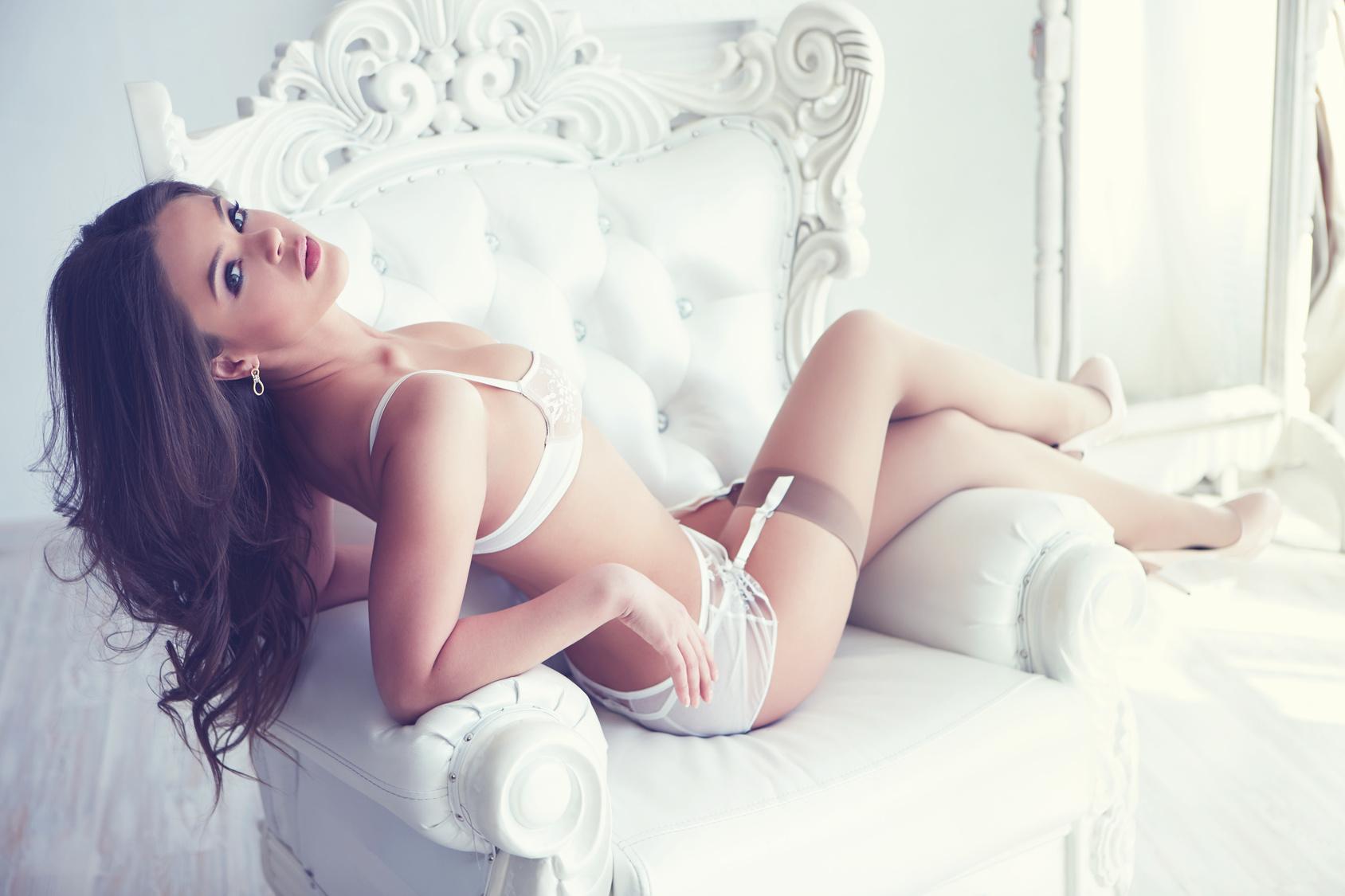 Umfassen Sie Ihren inneren Sexiness mit diese Bereich von sexy Dessous!